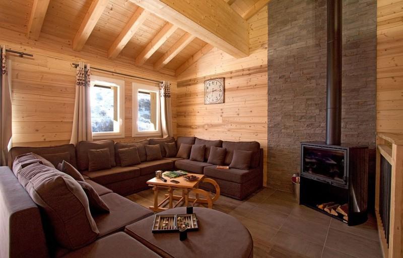 Les Menuires Luxury Rental Chalet Mizzanite Living Room