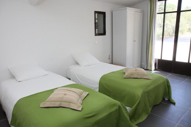 Luberon Luxury Rental Villa Lime Outdoor Bedroom 2