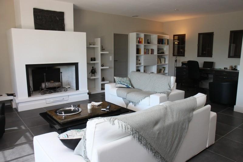 Luberon Luxury Rental Villa Lime Outdoor Living Room