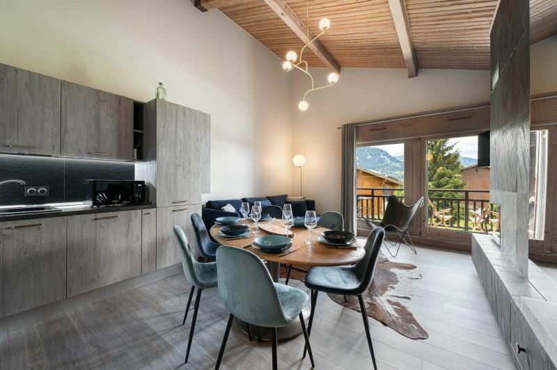 Megève Luxury Rental Appartment Cabrute Dining Room