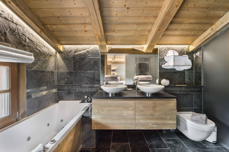 Megève Luxury Rental Chalet Cajolines Bathroom