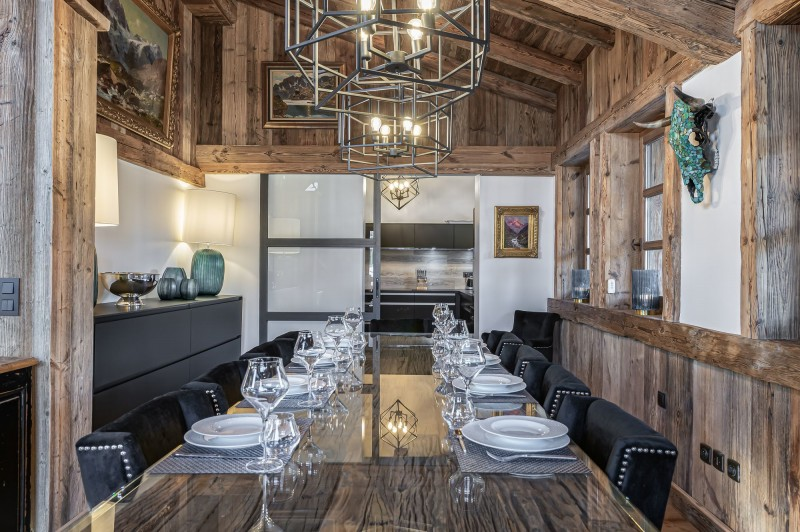 Megève Luxury Rental Chalet Cajuelite Dining Area