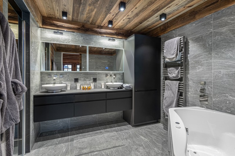 Megève Luxury Rental Chalet Cajuelite Bathroom 3
