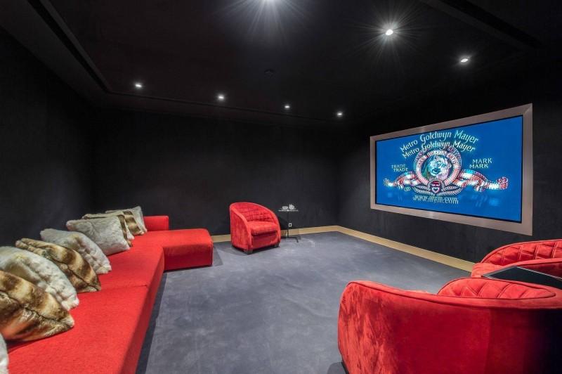 Megève Location Chalet Luxe Miki Blue Salle Cinéma