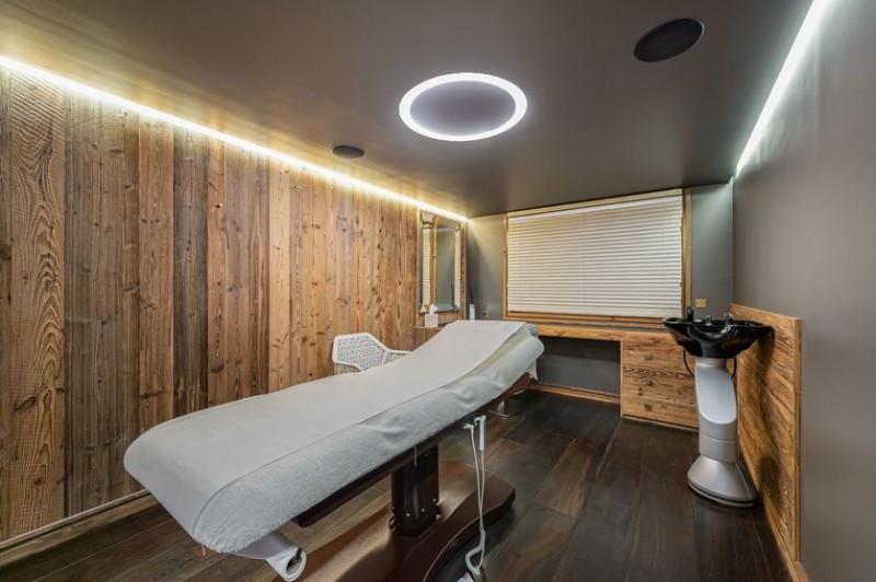Megève Location Chalet Luxe Safiro Table Massage