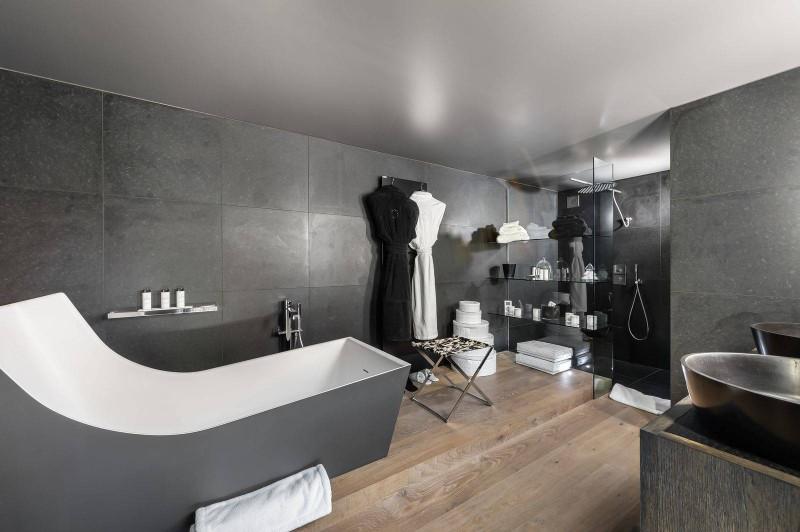 Megève Luxury Rental Chalet Sesamont Bathroom 2