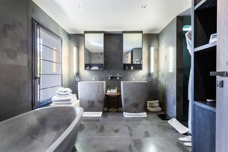 Megève Luxury Rental Chalet Sesamont Bathroom 5