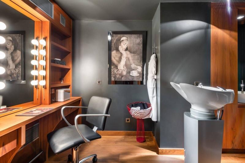 Megève Luxury Rental Chalet Sesamont Hairdresser