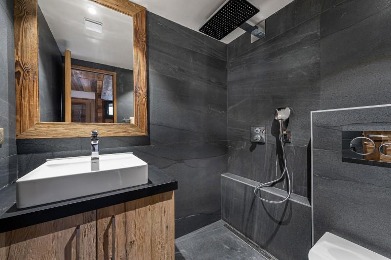 Megève Luxury Rental Chalet Sesune Shower Room