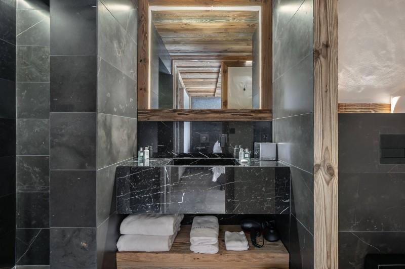 Megève Luxury Rental Chalet Taxodoge Bathroom 3