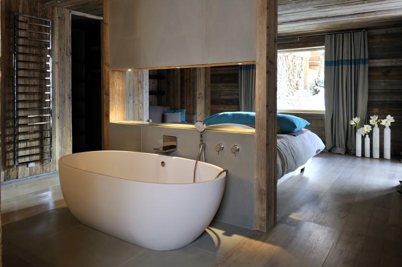Méribel Luxury Rental Chalet Novaculite Ensuite Bedroom