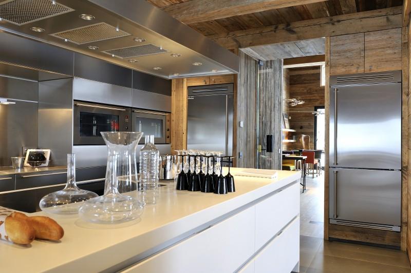 Méribel Luxury Rental Chalet Novaculite Kitchen 2
