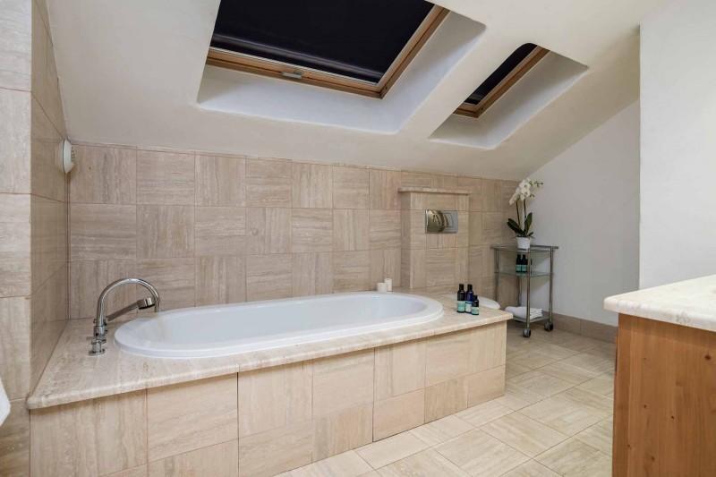 Méribel Luxury Rental Chalet Ulamite Bathroom