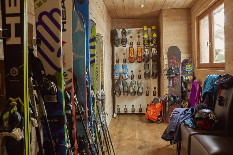 Méribel Luxury Rental Chalet Ulumite Ski Room