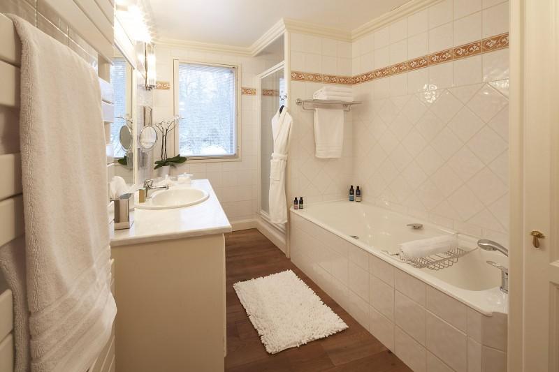 Méribel Luxury Rental Chalet Ulumite Bathroom