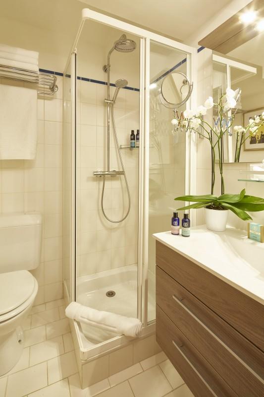Méribel Luxury Rental Chalet Ulumite Shower Room