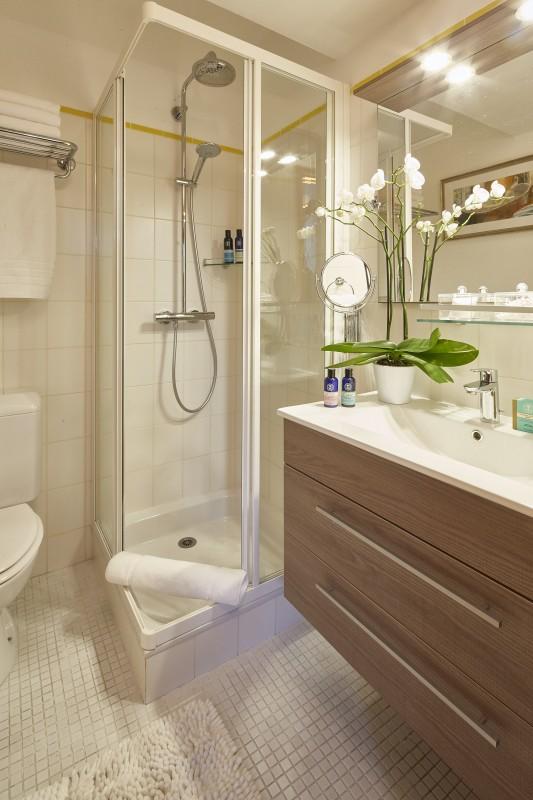 Méribel Luxury Rental Chalet Ulumite Shower Room 3