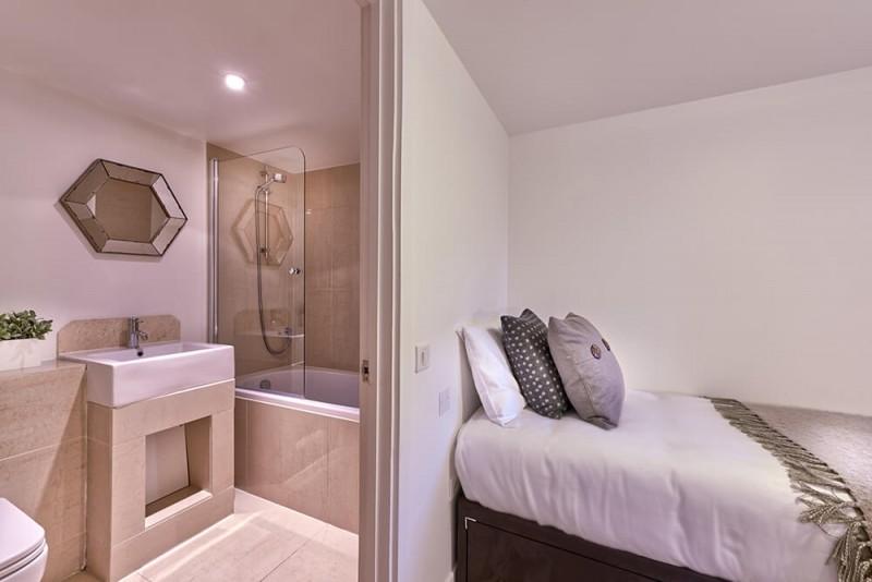 Morzine Luxury Rental Appartment Merlinuta Ensuite Bedroom