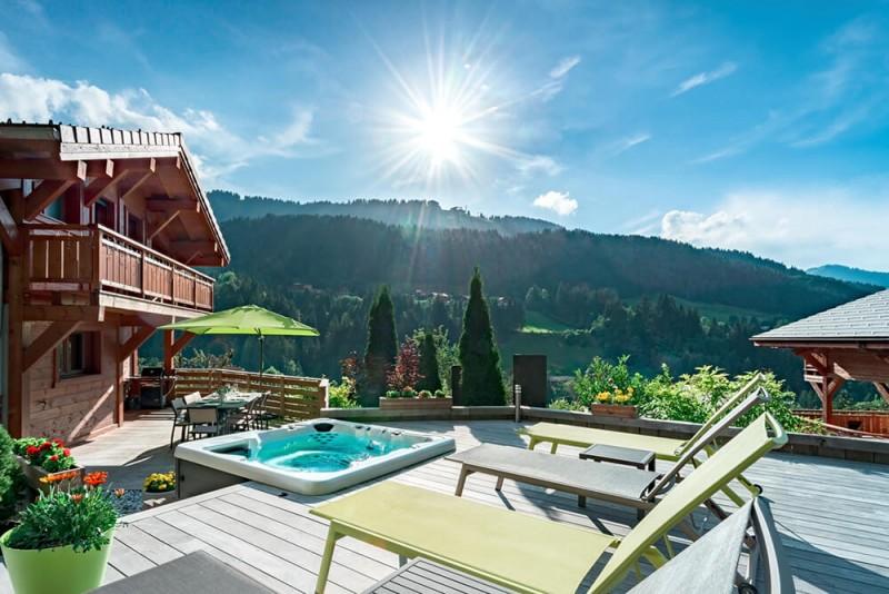Morzine Luxury Rental Chalet Merlinate Terrace 3