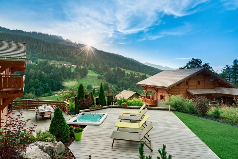 Morzine Luxury Rental Chalet Merlinate Terrace 4