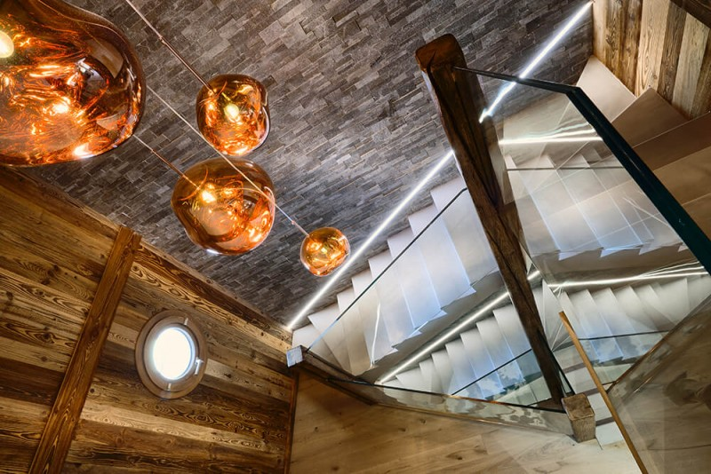 Morzine Location Chalet Luxe Merlinite Escaliers