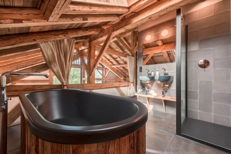 Morzine Luxury Rental Chalet Merlinte Bathroom