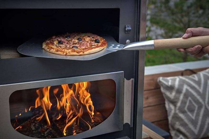 Morzine Luxury Rental Chalet Merlinute Pizza Oven 2