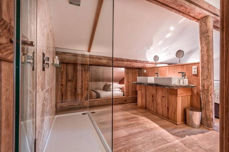 Morzine Luxury Rental Chalet Merlinute Shower Room