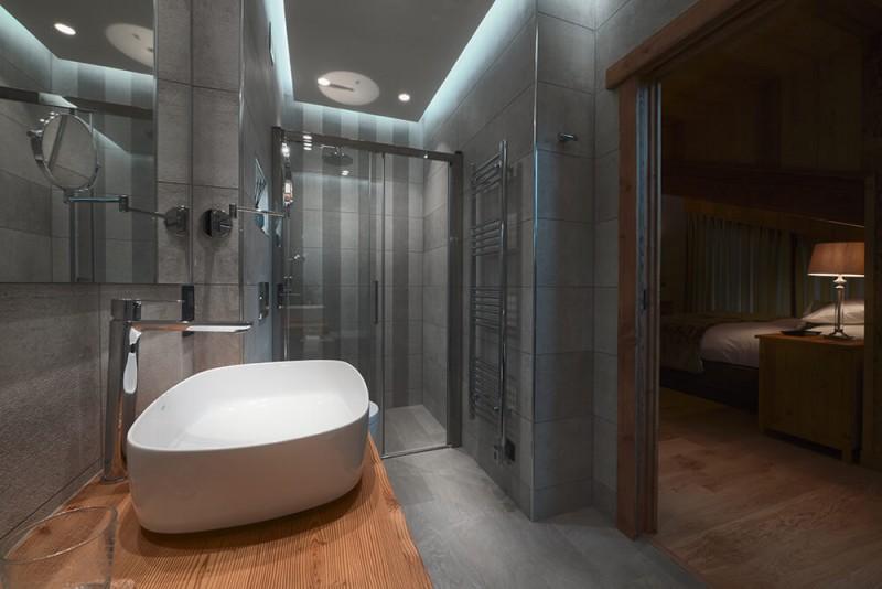Morzine Luxury Rental Chalet Morzanite Shower Room