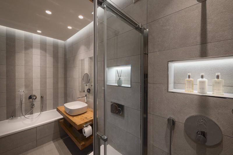 Morzine Luxury Rental Chalet Morzanite Shower Room 3