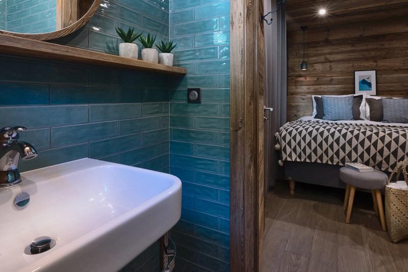 Morzine Luxury Rental Chalet Morzute Ensuite Bedroom