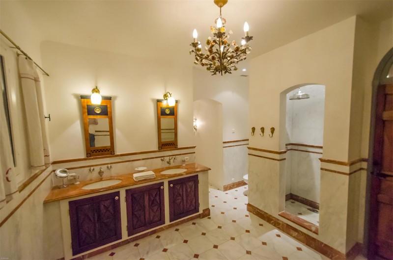 Nice Luxury Rental Villa Nigritelle Bathroom 2