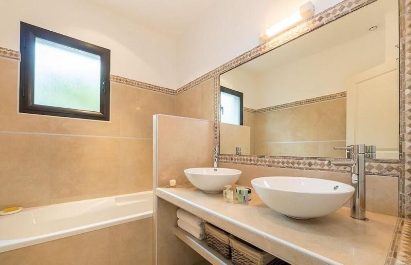 Porto Vecchio Location Villa Luxe Pivoine Jaune Salle De bain