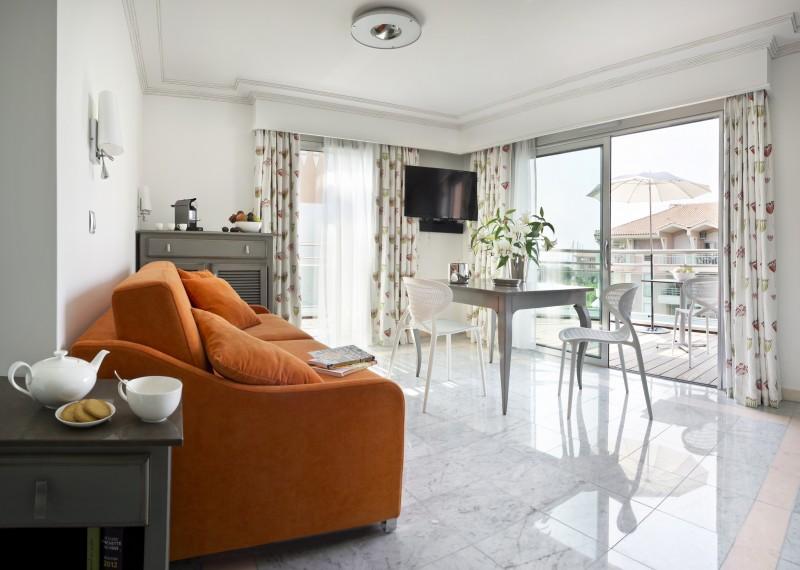 Saint Raphaël Location Appartement Luxe Sérapias Salon
