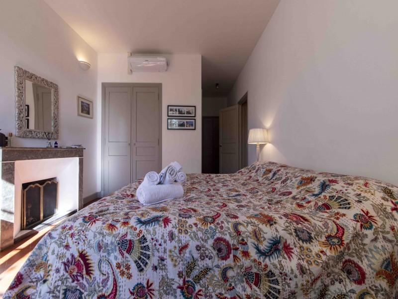 Saint Rémy De Provence Luxury Rental Villa Maho Bedroom 2