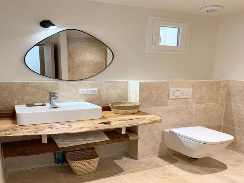 Saint Rémy De Provence Luxury Rental Villa Maladavite Bathroom 2