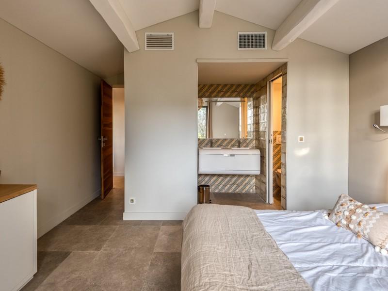 Saint Rémy De Provence Luxury Rental Villa Murcasite Bedroom 2