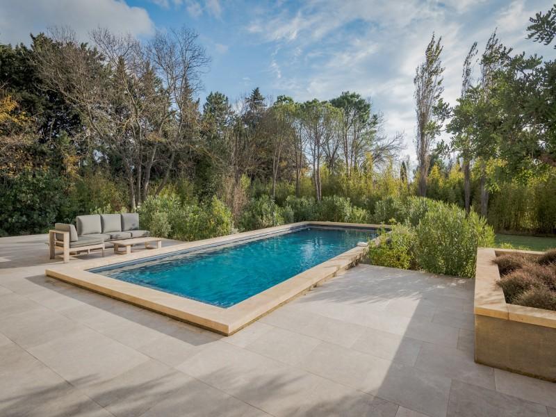 Saint Rémy De Provence Luxury Rental Villa Murcasite Pool 2