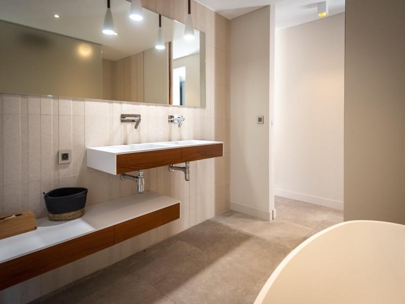 Saint Rémy De Provence Luxury Rental Villa Murcasite Bathroom