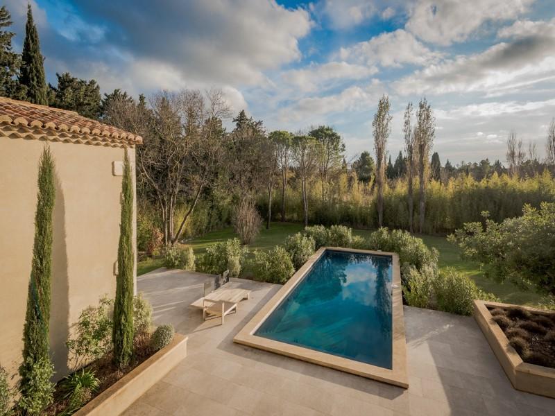 Saint Rémy De Provence Luxury Rental Villa Murcasite View