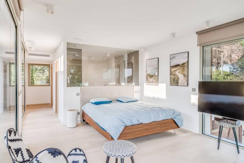Saint Tropez Luxury Rental Villa Saxifrage Bedroom 3