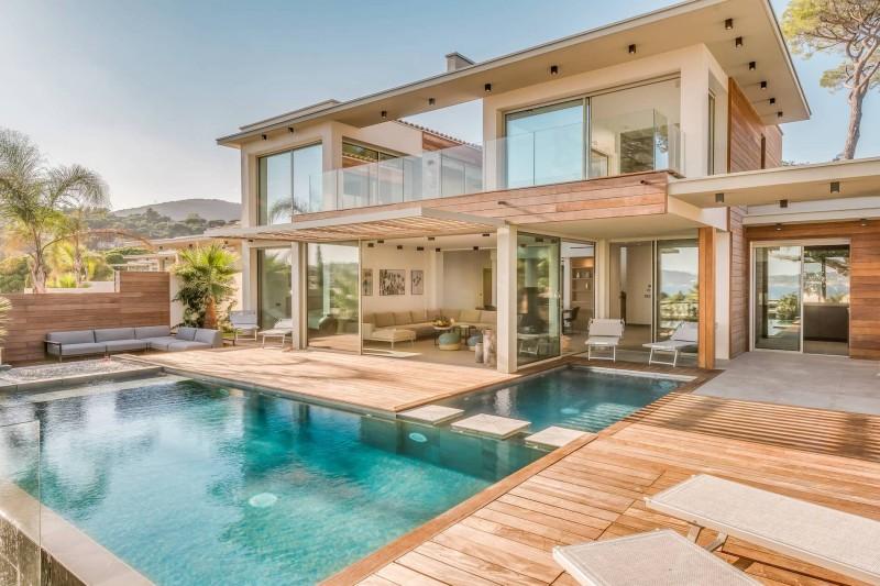 Saint Tropez Luxury Rental Villa Saxifrage Pool