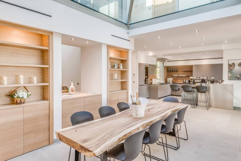 Saint Tropez Luxury Rental Villa Saxifrage Dining Room 2