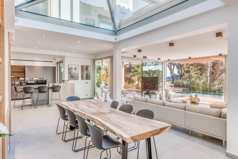 Saint Tropez Luxury Rental Villa Saxifrage Dining Room