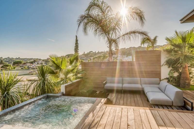 Saint Tropez Luxury Rental Villa Saxifrage Terrace 3