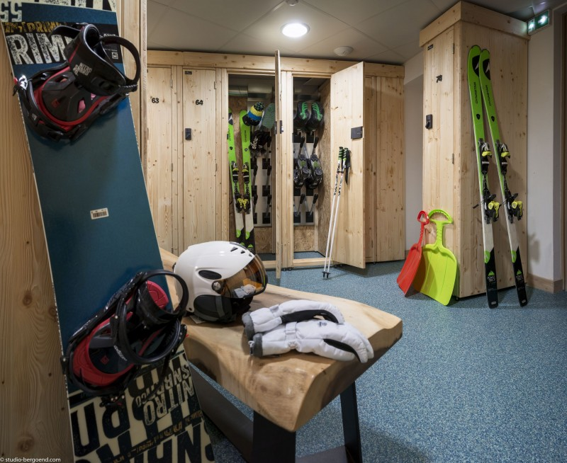 Tignes Rental Appartment Luxury Kyenite Ski Locker
