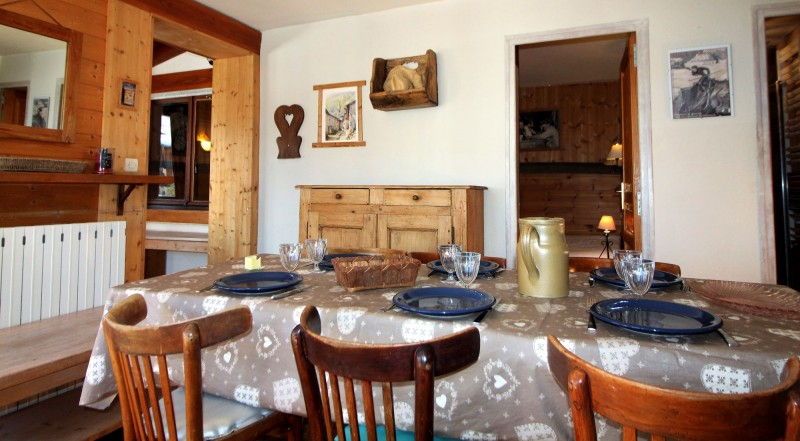 Tignes Location Chalet Luxe Valakite Table A Manger
