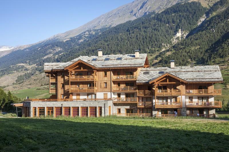 Val Cenis Location Appartement Dans Résidence Luxe Verre Saphir Duplex Extérieur Eté