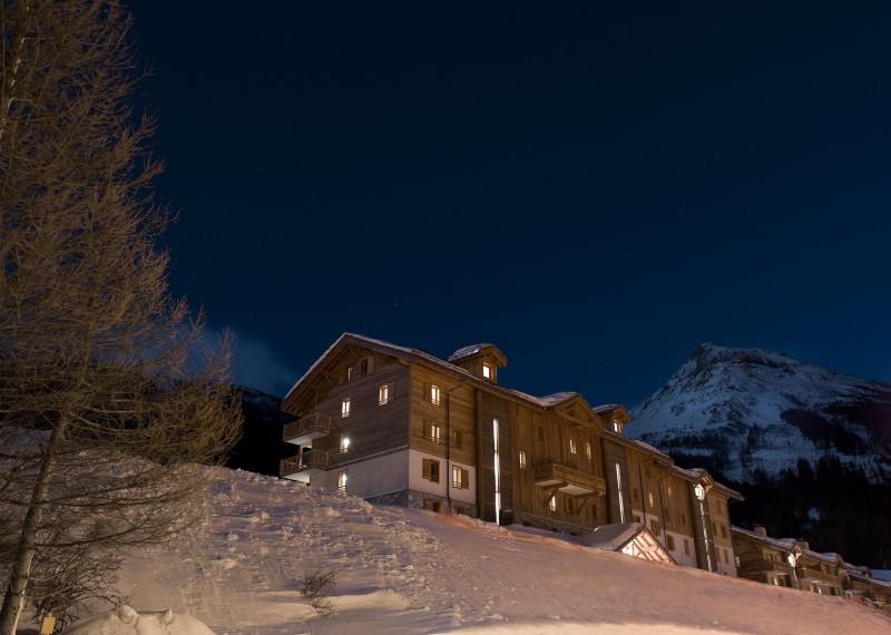 Val Cenis Location Appartement Dans Résidence Luxe Verre Saphir Duplex Extérieur Neige