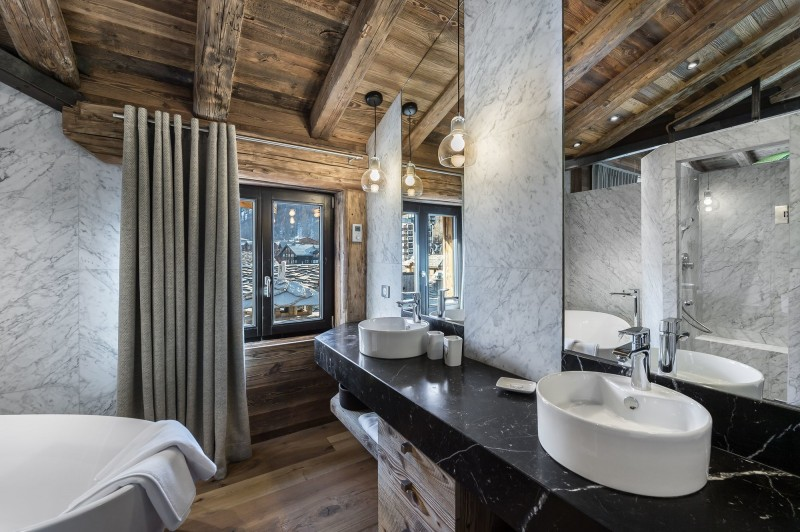 Val d'Isère Luxury Rental Appartment Aramias Bathroom 3
